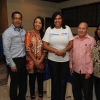 Dr. Ruben Dario Carrasco, Dra. Jocelyn Perez, Arelis Reynoso, Rafael Carrasco, y Andrea Santana de Carrasco.